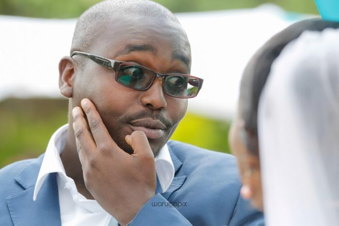 top kenyan wedding photographer waruisapix in karen at a curio shop-40