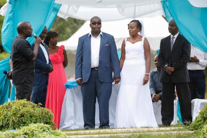 top kenyan wedding photographer waruisapix in karen at a curio shop-49