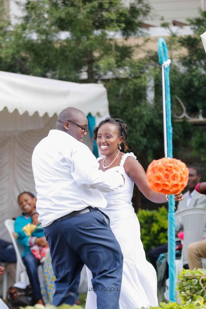 top kenyan wedding photographer waruisapix in karen at a curio shop-56