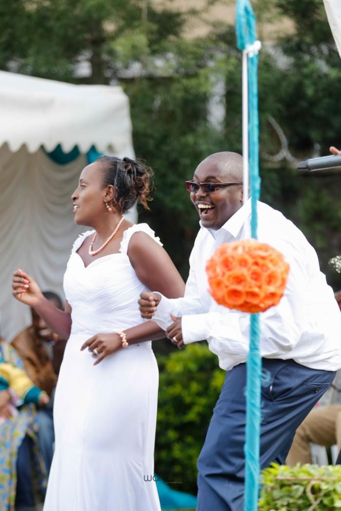 top kenyan wedding photographer waruisapix in karen at a curio shop-57
