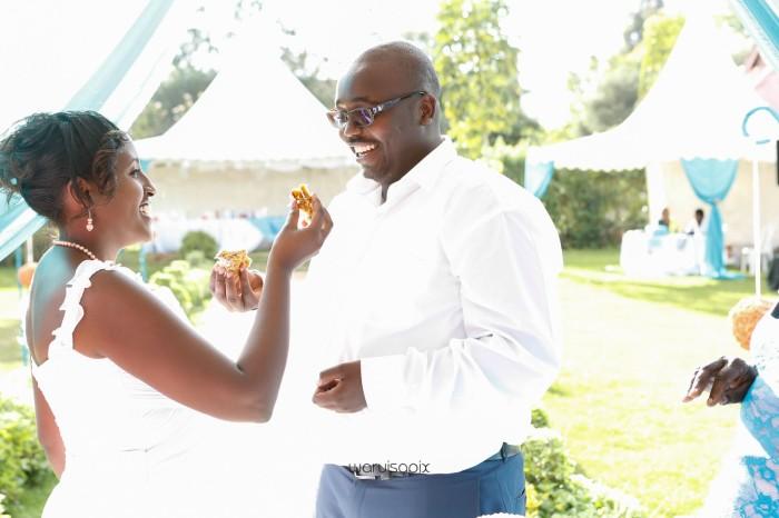 top kenyan wedding photographer waruisapix in karen at a curio shop-62