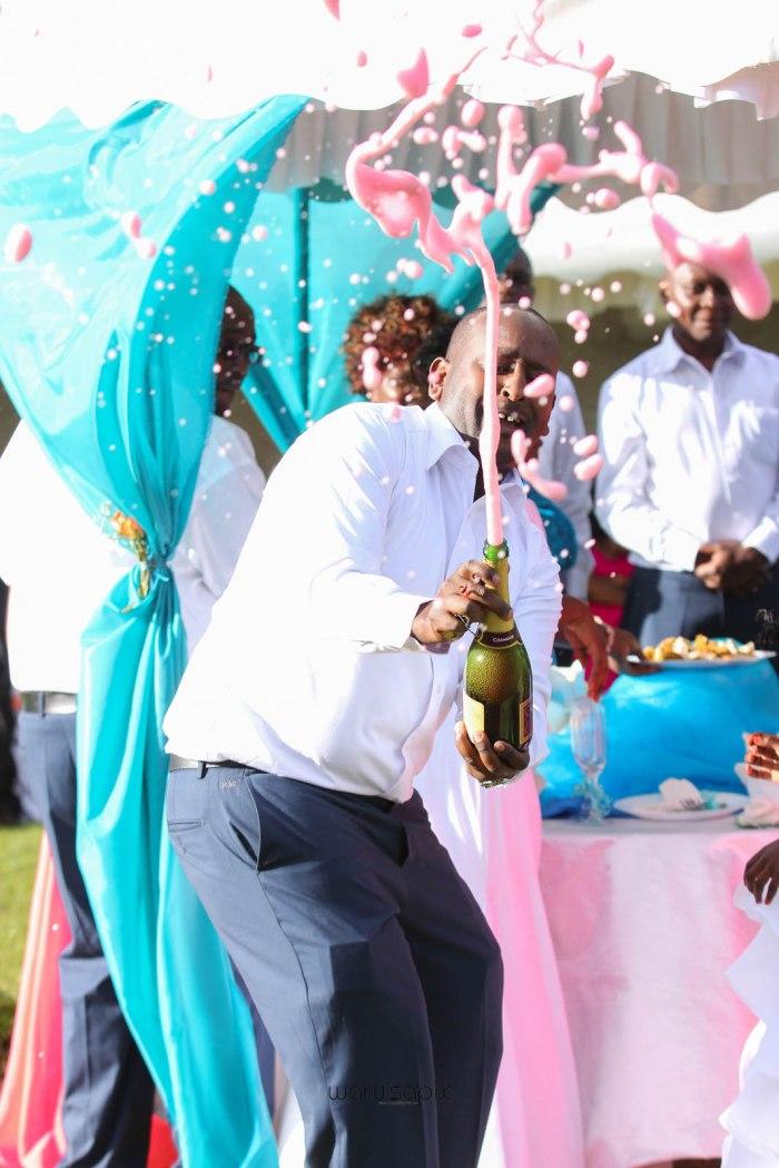 top kenyan wedding photographer waruisapix in karen at a curio shop-66