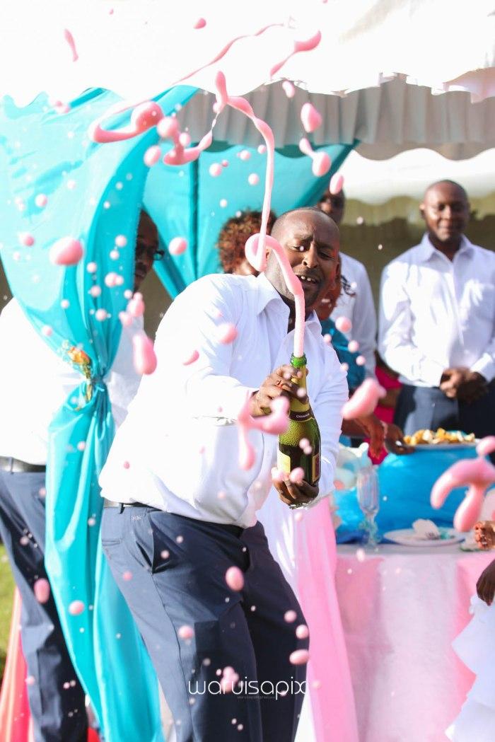 top kenyan wedding photographer waruisapix in karen at a curio shop-67