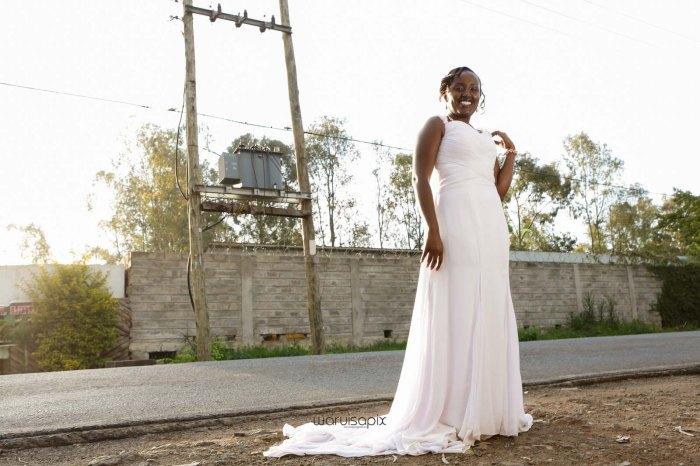 top kenyan wedding photographer waruisapix in karen at a curio shop-69