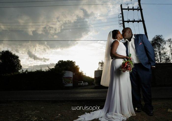 top kenyan wedding photographer waruisapix in karen at a curio shop-73