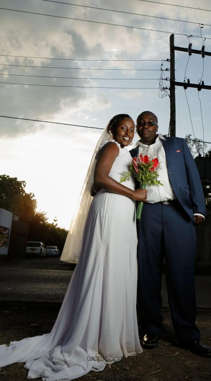 top kenyan wedding photographer waruisapix in karen at a curio shop-74