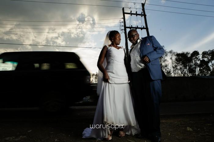 top kenyan wedding photographer waruisapix in karen at a curio shop-75