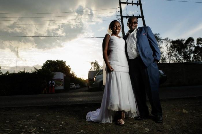 top kenyan wedding photographer waruisapix in karen at a curio shop-76