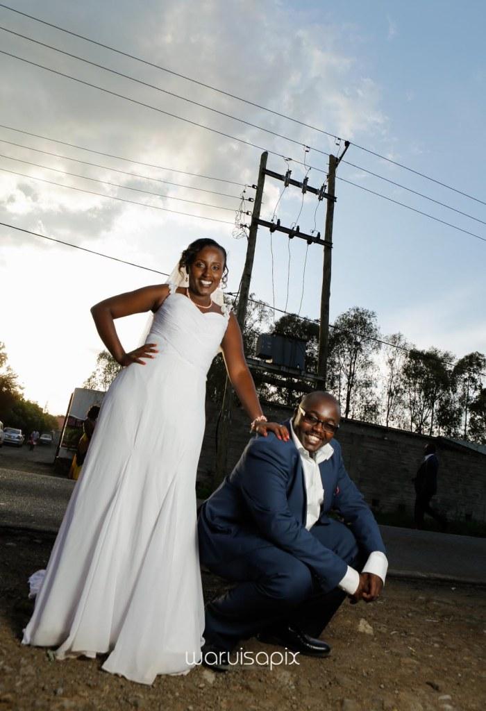 top kenyan wedding photographer waruisapix in karen at a curio shop-78