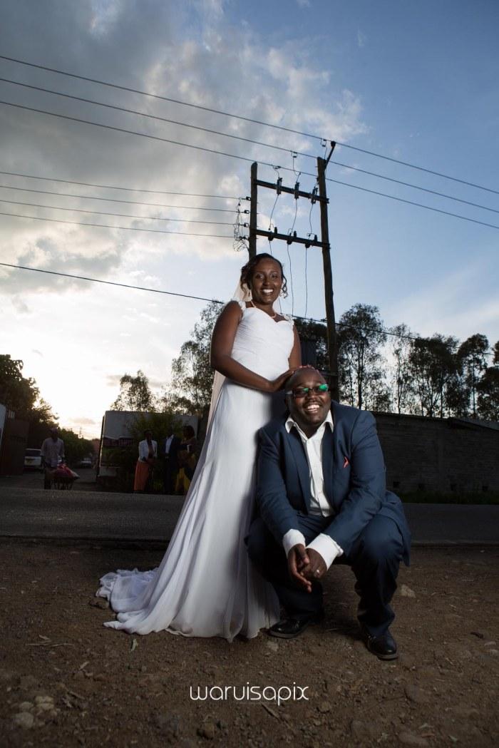 top kenyan wedding photographer waruisapix in karen at a curio shop-79