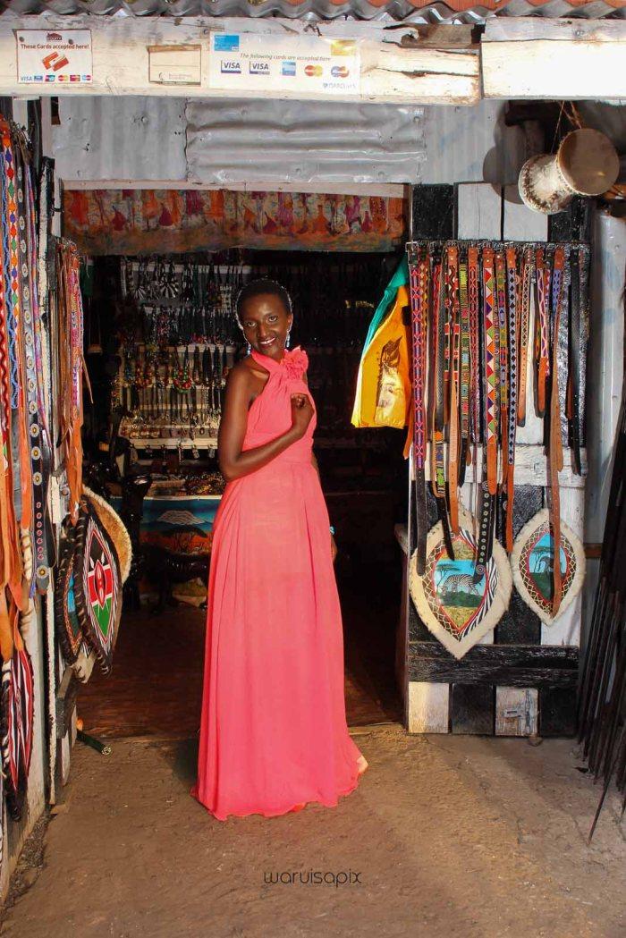 top kenyan wedding photographer waruisapix in karen at a curio shop-81