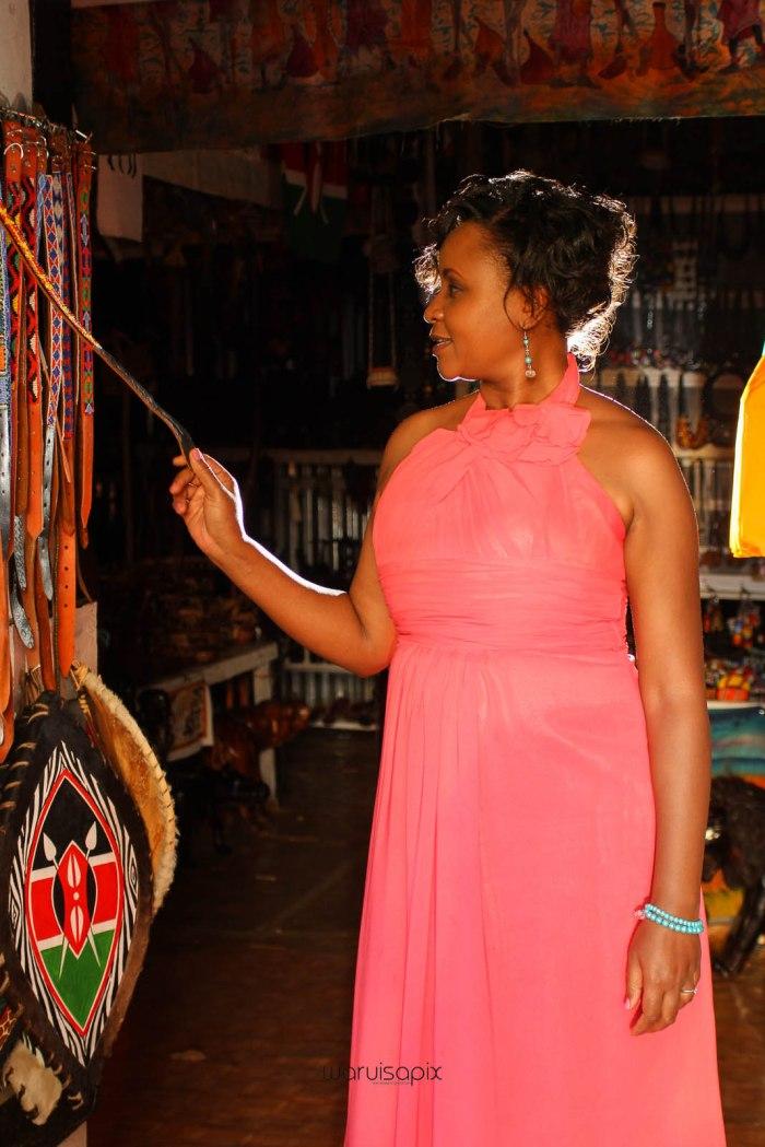 top kenyan wedding photographer waruisapix in karen at a curio shop-83