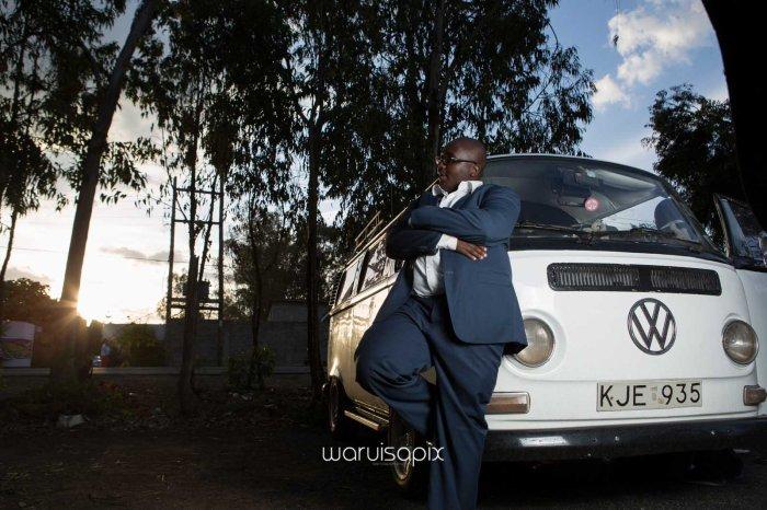 top kenyan wedding photographer waruisapix in karen at a curio shop-85