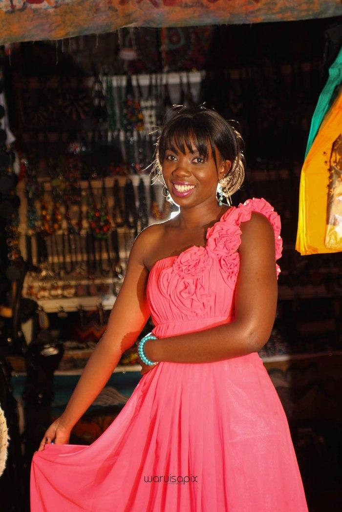 top kenyan wedding photographer waruisapix in karen at a curio shop-89