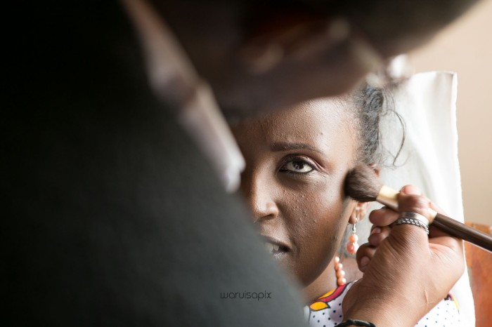 top kenyan wedding photographer waruisapix in karen at a curio shop-9