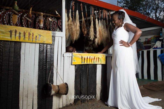 top kenyan wedding photographer waruisapix in karen at a curio shop-93