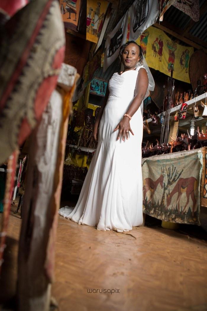 top kenyan wedding photographer waruisapix in karen at a curio shop-97