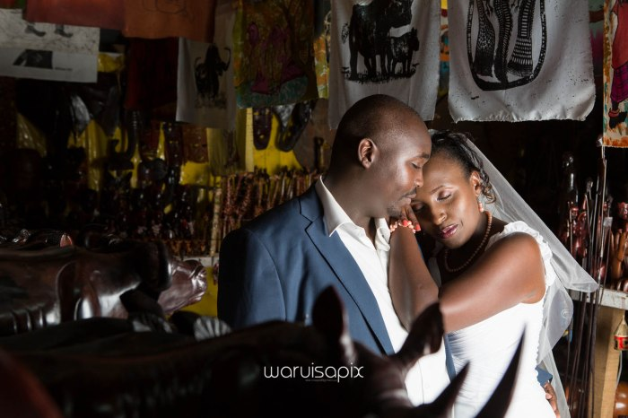 top kenyan wedding photographer waruisapix in karen at a curio shop-98