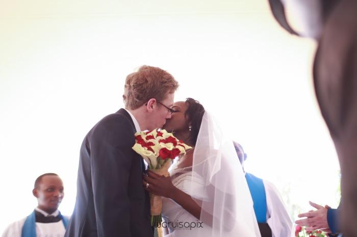 The Hepburns in love street  an intimate kenyan scottish wedding by waruisapix -94