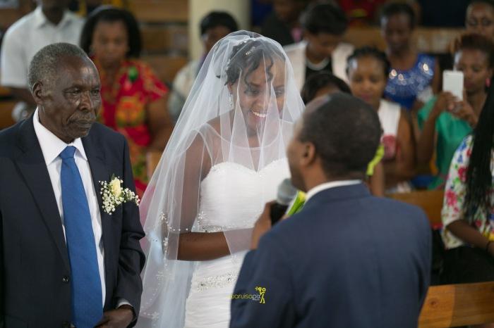 waruisapix wedding photoshoot ideas at the nairobi arboretum forest creative destination photographer in kenya-44