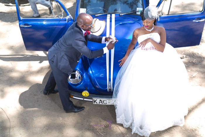 a vintage kenyan wedding with a random vw beetle and kombi convoy by kenya's top wedding photographer waruisapix-110