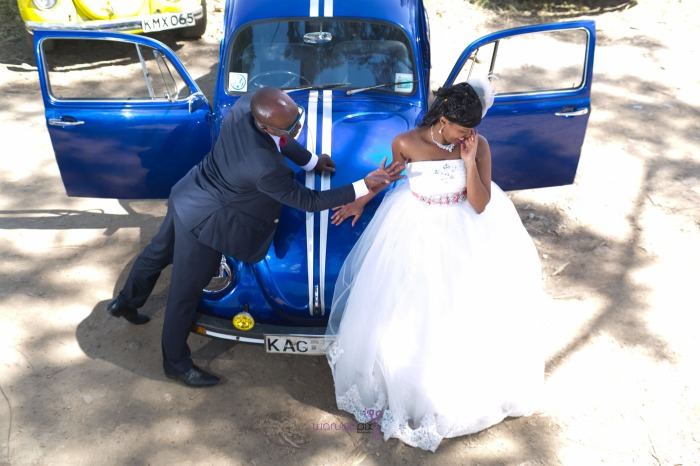 a vintage kenyan wedding with a random vw beetle and kombi convoy by kenya's top wedding photographer waruisapix-112