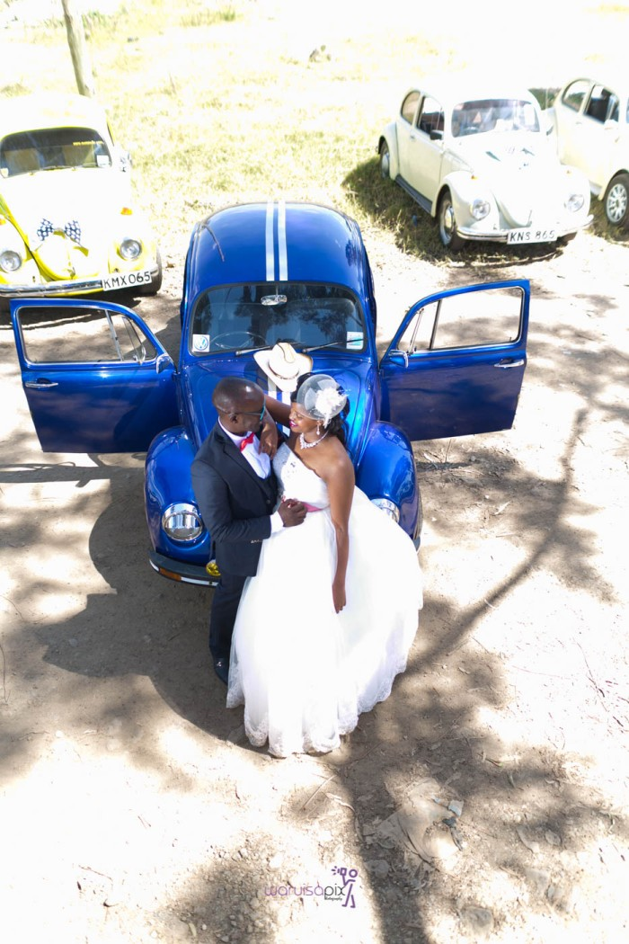 a vintage kenyan wedding with a random vw beetle and kombi convoy by kenya's top wedding photographer waruisapix-115