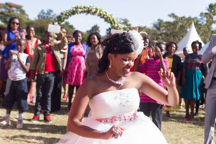 a vintage kenyan wedding with a random vw beetle and kombi convoy by kenya's top wedding photographer waruisapix-143