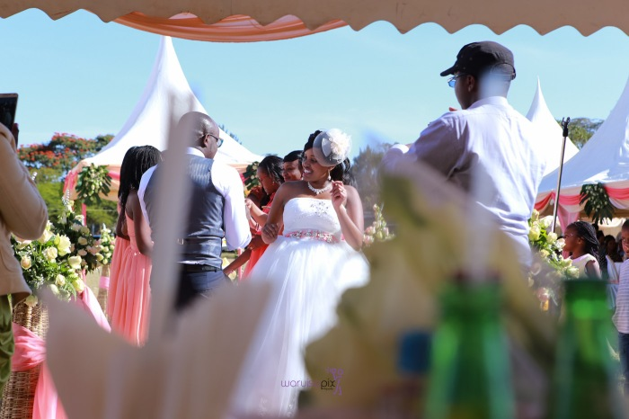 a vintage kenyan wedding with a random vw beetle and kombi convoy by kenya's top wedding photographer waruisapix-156