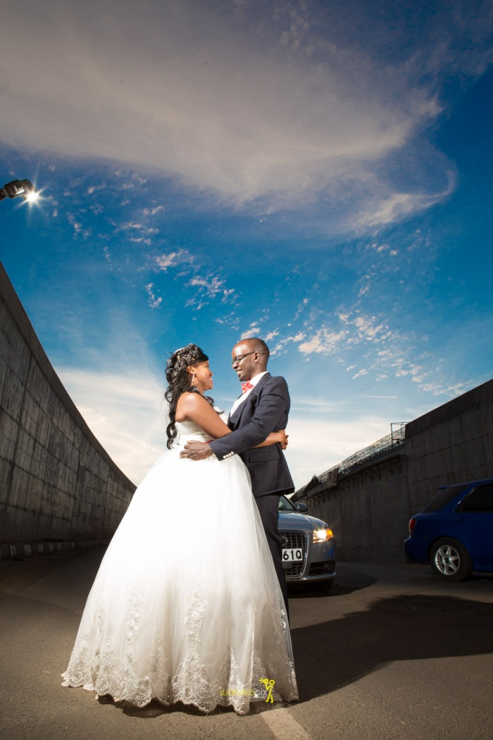 a vintage kenyan wedding with a random vw beetle and kombi convoy by kenya's top wedding photographer waruisapix-169