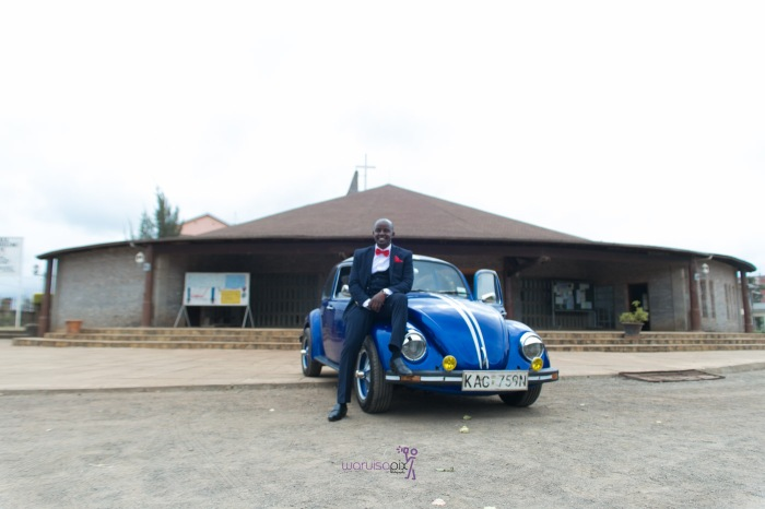 a vintage kenyan wedding with a random vw beetle and kombi convoy by kenya's top wedding photographer waruisapix-39