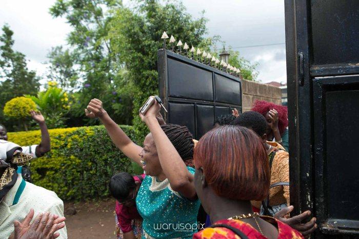 2016 ruth and Allen random street wedding photography by kenyan weding photographer waruisapix -32