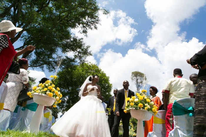 The great kenyan wedding random photoshhot with vintage car on nairobi streets by waruisapix ciiku weds Davie-84