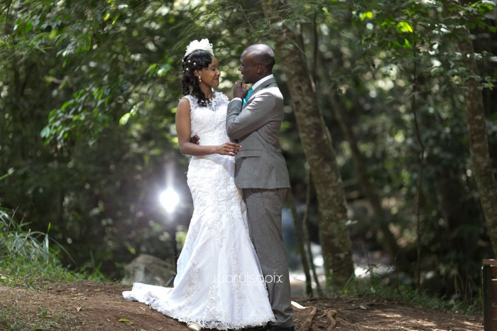 edith-and-tim-wedding-blog-by-waruisapix-lovely-colors-fresh-ideas-and-lots-of-fun-garden-wedding-and-photoshoot-in-a-forest-karura-by-waterfall-77