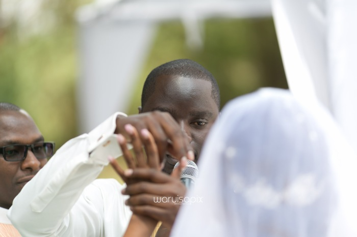 Henry and Sue Wedding Blog by Waruisapix Kenya's top photographer with vintage vw beetles -9075